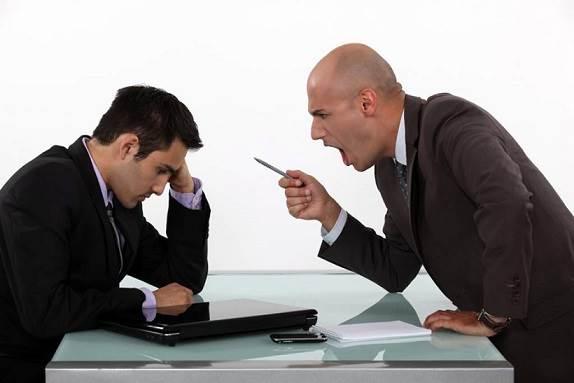 Cómo responderle a un jefe difícil