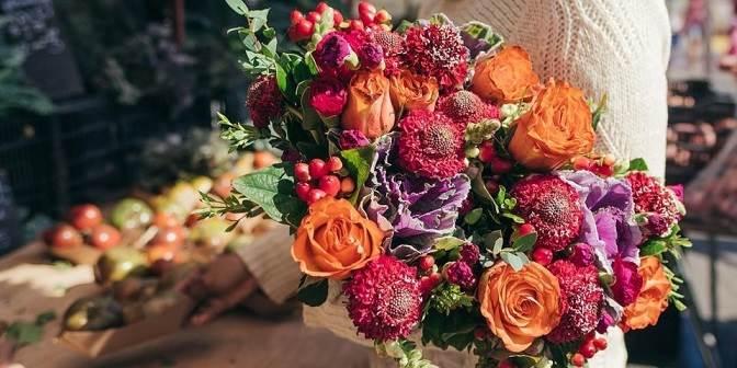 Cinco errores que cometen los hombres al enviar flores online